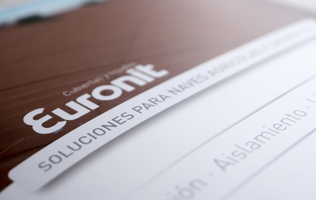 EURONIT – Diseño de cuadríptico soluciones para naves agrícolas y ganaderas